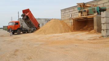 Большие складские территории на заводе МПК