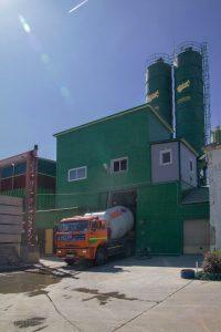 Загрузка бетона